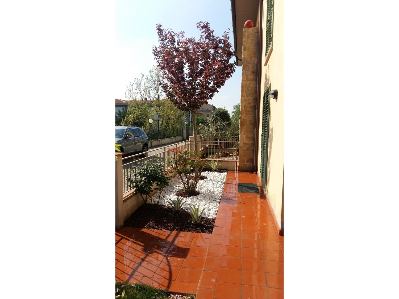 Giardini mgf giardino per cliente privato di pistoia - Progetto giardino privato ...